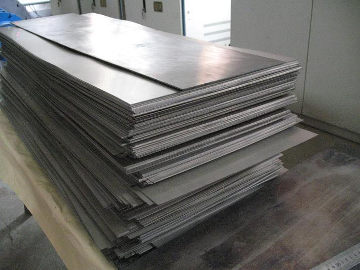 钛板表面热处理和表面冷塑性形变